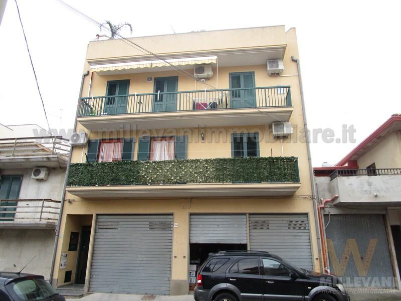 Appartamento in vendita a Pozzallo, 4 locali, zona Località: SanPaolo, prezzo € 155.000 | Cambio Casa.it