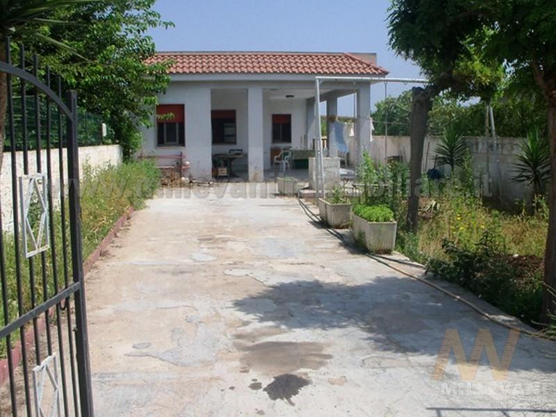 Villa in vendita a Ispica, 4 locali, zona Località: S.aMariadelFocallo, prezzo € 80.000 | Cambio Casa.it
