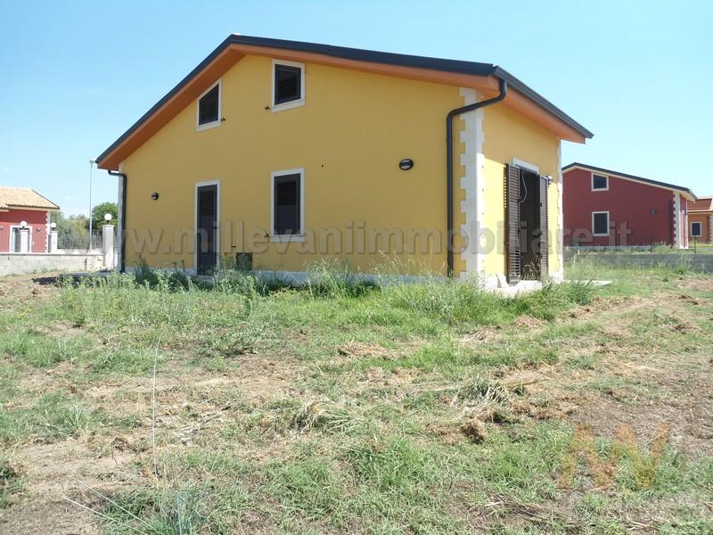 Villa in vendita a Pozzallo, 6 locali, zona Località: PrimoScivolo, prezzo € 250.000 | Cambio Casa.it