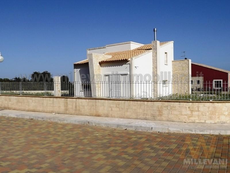 Villa in vendita a Pozzallo, 4 locali, zona Località: BoschiPisana, prezzo € 285.000 | Cambio Casa.it