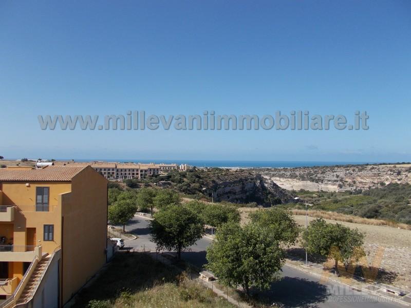 Appartamento in vendita a Scicli, 5 locali, zona Zona: Iungi, prezzo € 160.000 | Cambio Casa.it