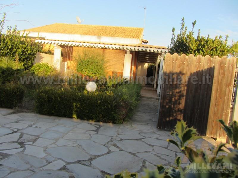 Villa in vendita a Modica, 4 locali, zona Località: MarinadiModica, prezzo € 205.000 | Cambio Casa.it