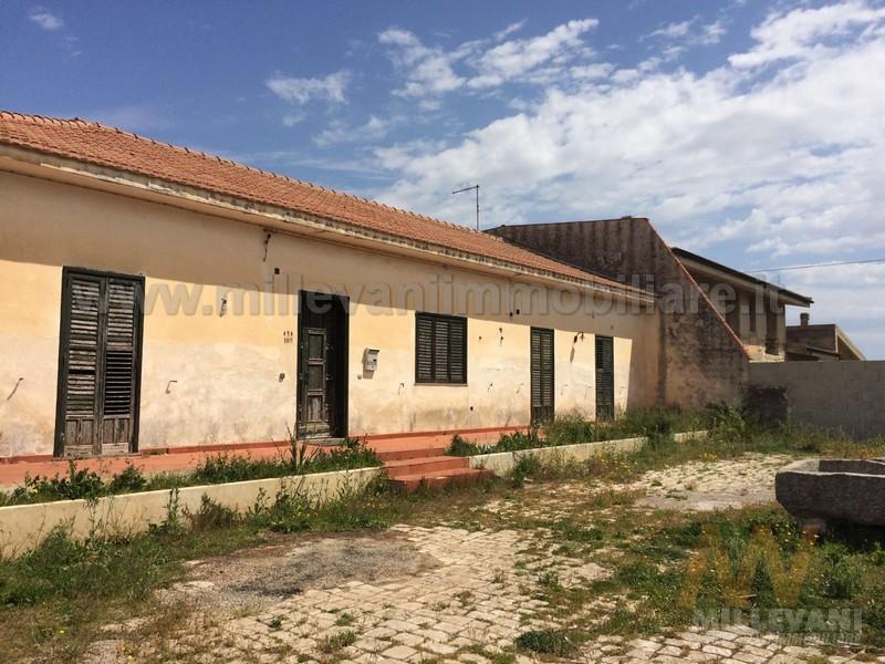 Soluzione Indipendente in vendita a Modica, 6 locali, zona Località: SanFilippo, prezzo € 200.000 | Cambio Casa.it