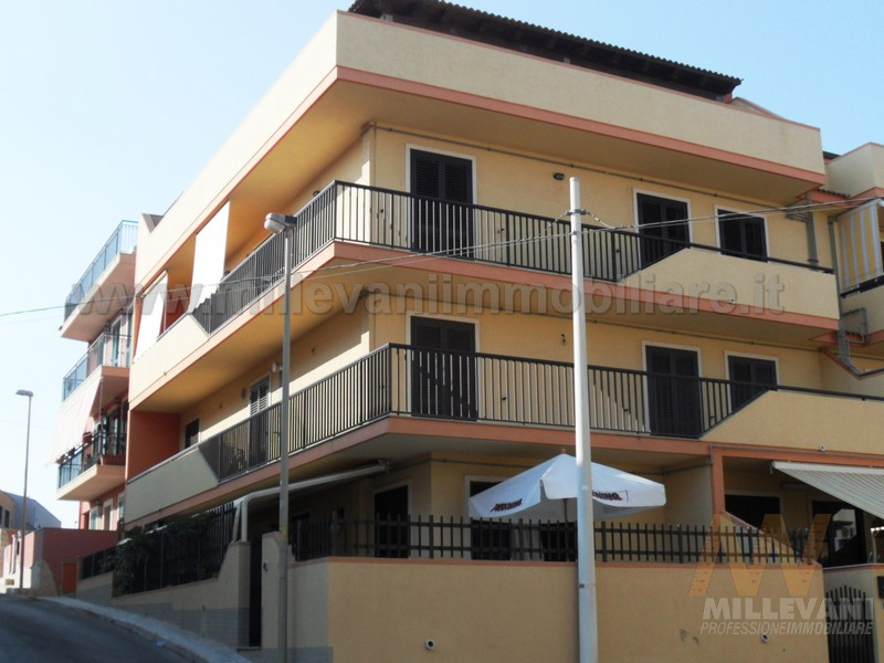 Attico / Mansarda in vendita a Pozzallo, 2 locali, zona Località: Raganzino, prezzo € 150.000 | Cambio Casa.it