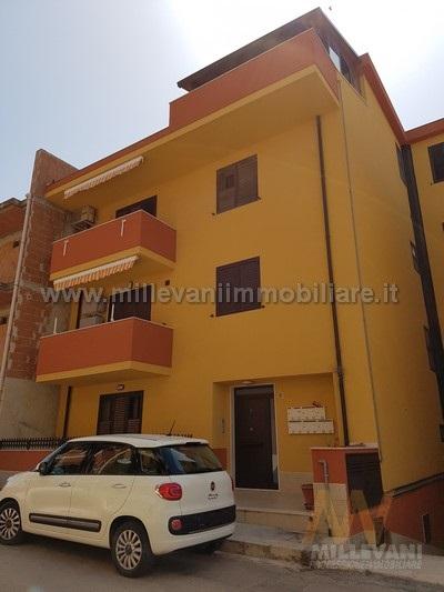 Attico / Mansarda in vendita a Pozzallo, 4 locali, zona Località: VialeEuropa, prezzo € 150.000 | Cambio Casa.it