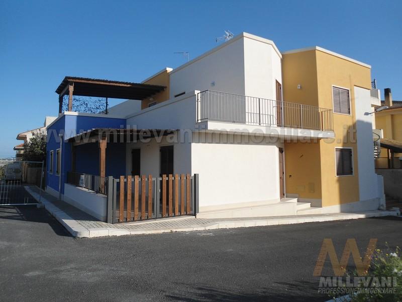 Appartamento in vendita a Scicli, 4 locali, zona Zona: Sampieri, prezzo € 135.000 | Cambio Casa.it