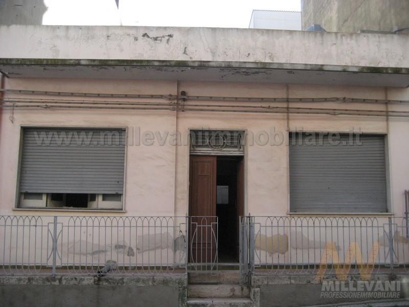 Soluzione Indipendente in vendita a Pozzallo, 6 locali, prezzo € 130.000 | CambioCasa.it