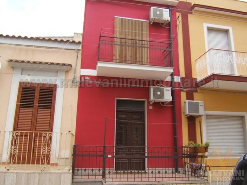 Soluzione Indipendente in vendita a Pozzallo, 4 locali, zona Località: zonaSanGiovanni, prezzo € 119.000 | CambioCasa.it