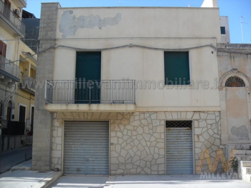 Soluzione Indipendente in vendita a Pozzallo, 5 locali, prezzo € 250.000 | CambioCasa.it