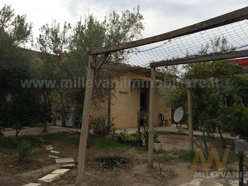 Soluzione Indipendente in vendita a Ispica, 1 locali, zona Località: S.aMariadelFocallo, prezzo € 45.000 | Cambio Casa.it