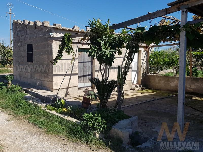 Soluzione Indipendente in vendita a Scicli, 4 locali, zona Zona: Donnalucata, prezzo € 55.000 | Cambio Casa.it