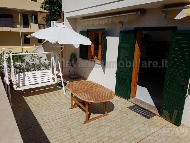 Appartamento in vendita a Scicli, 5 locali, zona Zona: Donnalucata, prezzo € 135.000 | Cambio Casa.it