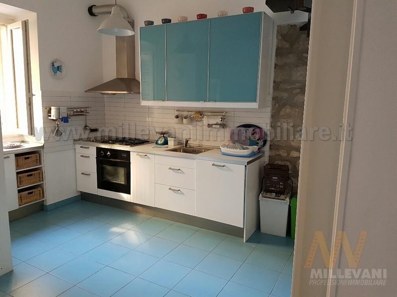 Soluzione Indipendente in vendita a Pozzallo, 5 locali, zona Località: Pietrenere, prezzo € 125.000 | CambioCasa.it