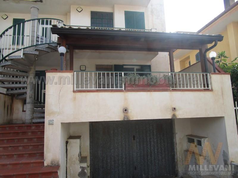 Appartamento in vendita a Scicli, 3 locali, zona Zona: Sampieri, prezzo € 115.000 | Cambio Casa.it