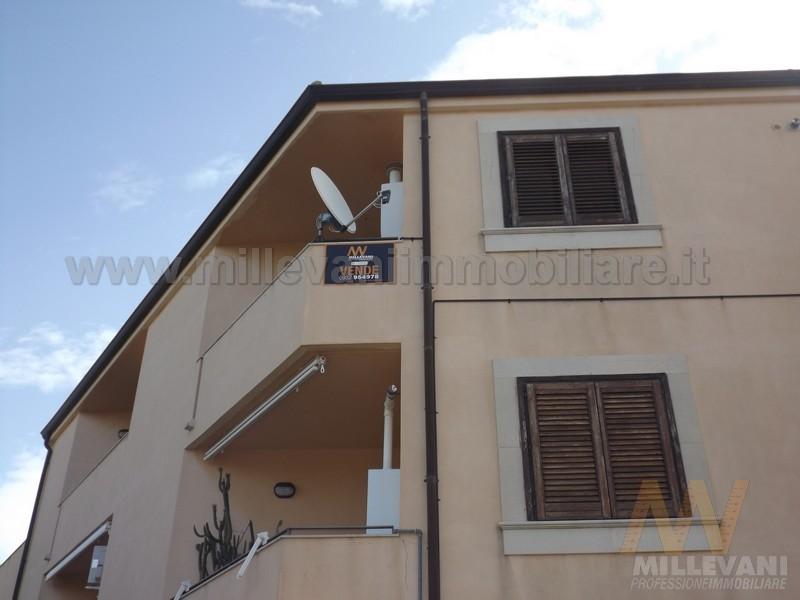 Appartamento in vendita a Pozzallo, 5 locali, zona Località: Pietrenere, prezzo € 150.000 | Cambio Casa.it
