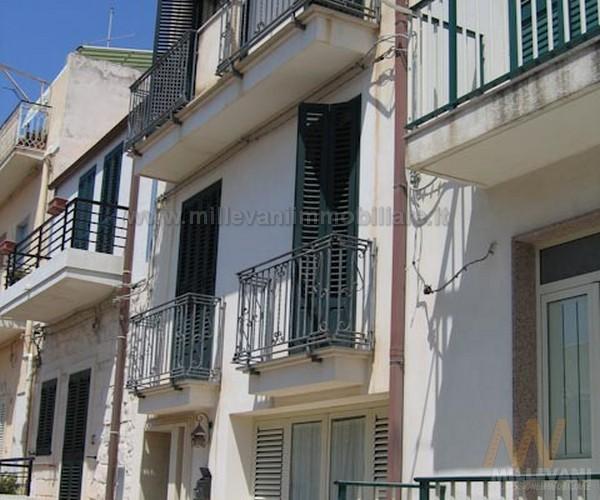 Soluzione Indipendente in vendita a Scicli, 5 locali, zona Zona: Donnalucata, prezzo € 270.000 | Cambio Casa.it