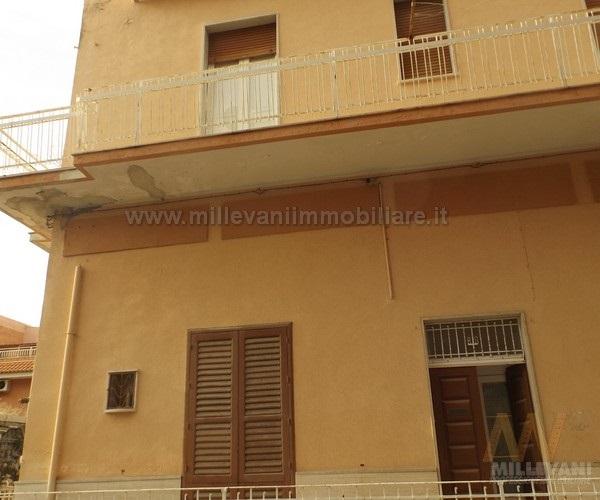 Appartamento in vendita a Pozzallo, 6 locali, prezzo € 85.000 | Cambio Casa.it