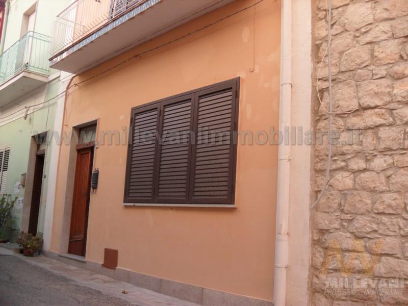 Soluzione Indipendente in vendita a Pozzallo, 8 locali, zona Località: Pietrenere, prezzo € 170.000 | CambioCasa.it