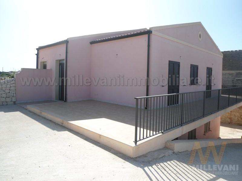 Villa in vendita a Modica, 6 locali, zona Località: MarinadiModica, prezzo € 220.000 | Cambio Casa.it
