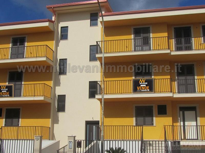 Appartamento in vendita a Scicli, 5 locali, zona Zona: Iungi, prezzo € 170.000   Cambio Casa.it