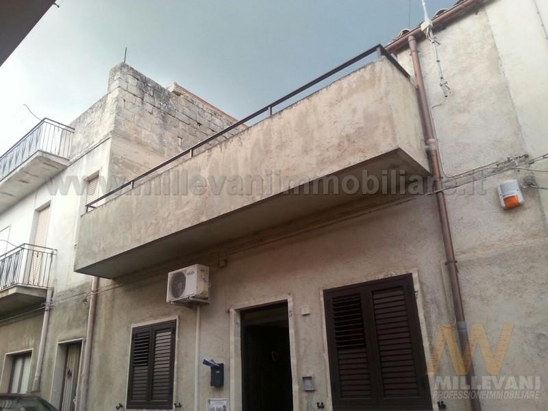 Soluzione Indipendente in vendita a Scicli, 6 locali, prezzo € 165.000 | Cambio Casa.it