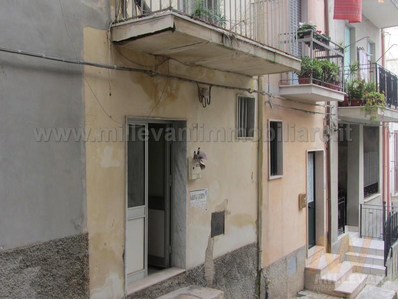 Soluzione Indipendente in vendita a Scicli, 3 locali, zona Località: SanGiuseppe, prezzo € 40.000 | Cambio Casa.it