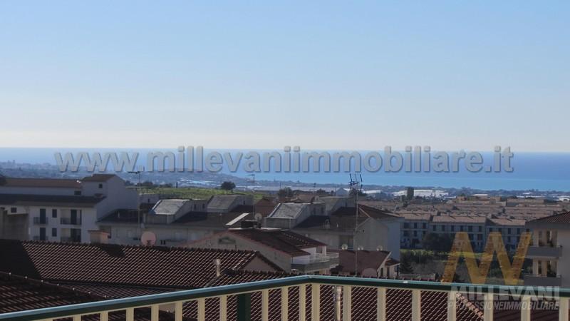 Appartamento in vendita a Scicli, 4 locali, zona Zona: Iungi, prezzo € 150.000 | Cambio Casa.it