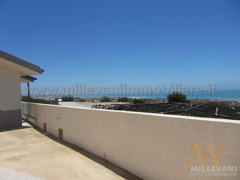Soluzione Indipendente in vendita a Scicli, 5 locali, zona Zona: Donnalucata, prezzo € 195.000 | Cambio Casa.it