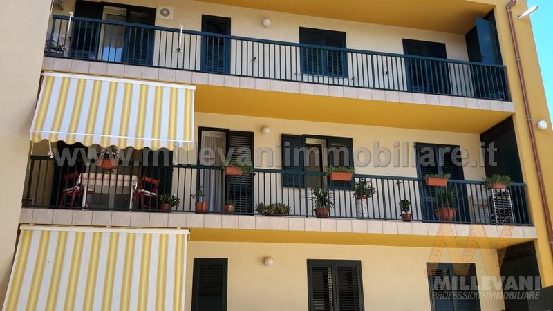 Appartamento in vendita a Pozzallo, 5 locali, zona Località: SanPaolo, prezzo € 159.000 | CambioCasa.it