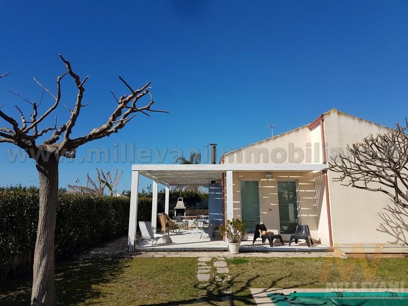 Villa in vendita a Scicli, 3 locali, zona Zona: Donnalucata, prezzo € 240.000 | Cambio Casa.it