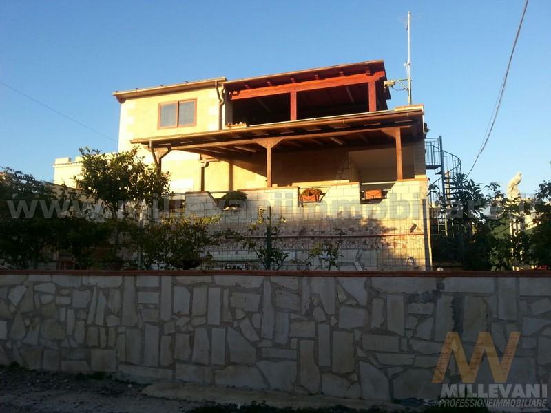 Soluzione Indipendente in vendita a Scicli, 5 locali, zona Località: CavadAliga, prezzo € 165.000 | Cambio Casa.it
