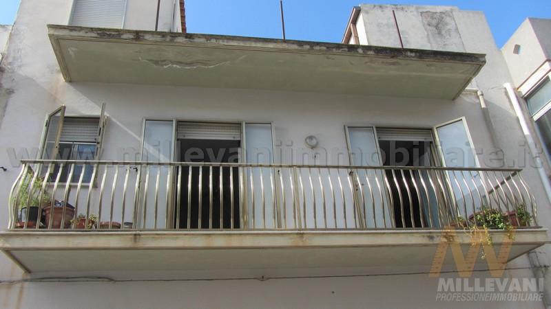 Soluzione Indipendente in vendita a Scicli, 8 locali, zona Zona: Donnalucata, Trattative riservate | Cambio Casa.it