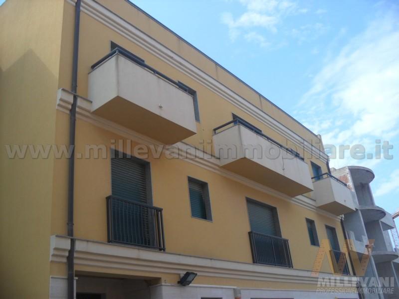 Appartamento in affitto a Pozzallo, 4 locali, zona Località: VialeEuropa, prezzo € 600 | Cambio Casa.it