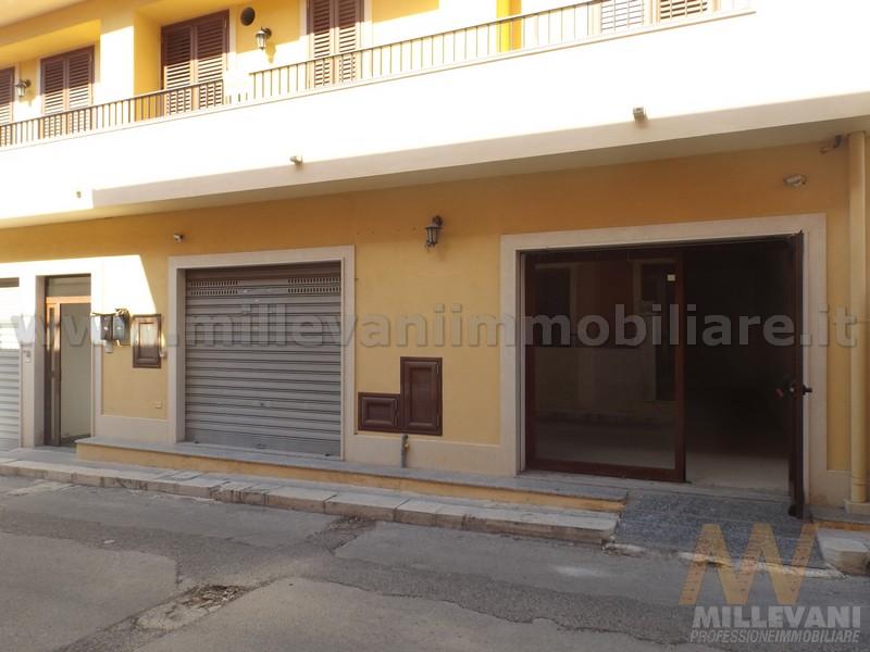 Negozio / Locale in affitto a Pozzallo, 9999 locali, prezzo € 450 | CambioCasa.it