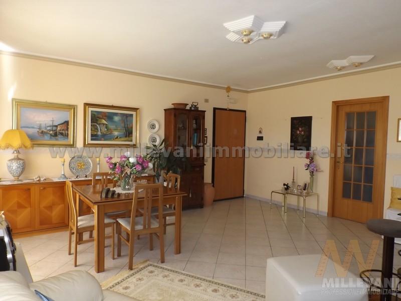 Appartamento in vendita a Pozzallo, 6 locali, prezzo € 150.000 | Cambio Casa.it