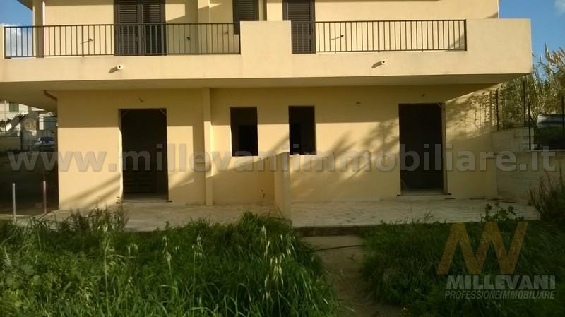 Appartamento in vendita a Scicli, 3 locali, zona Zona: Donnalucata, prezzo € 90.000 | Cambio Casa.it
