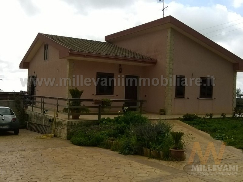 Villa in vendita a Scicli, 4 locali, zona Località: SanGiovanniLoPirato, prezzo € 298.000 | Cambio Casa.it