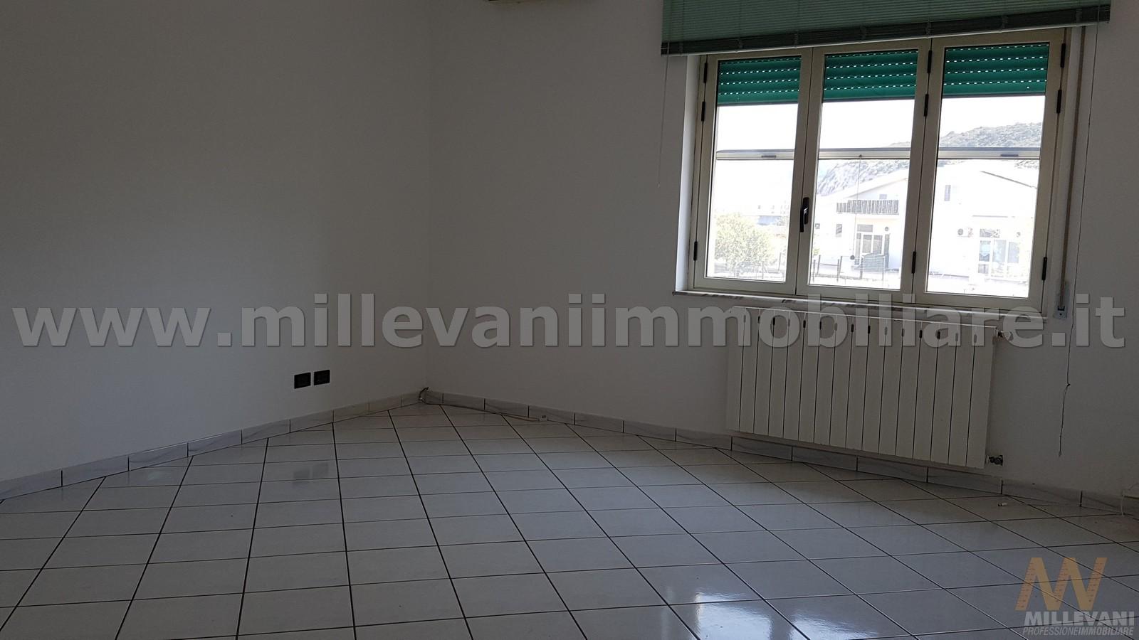 vendita appartamento scicli iungi  85000 euro  5 locali  80 mq