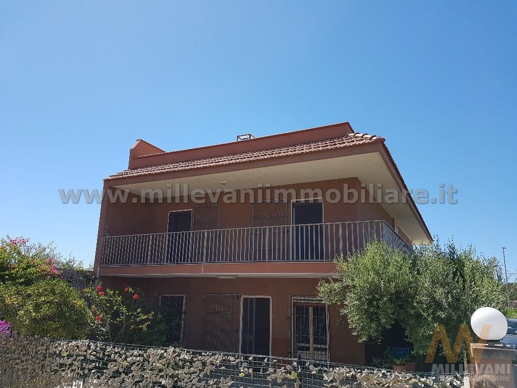 Villa due camere auto ispica in vendita waa2 for 1250 piedi quadrati di casa