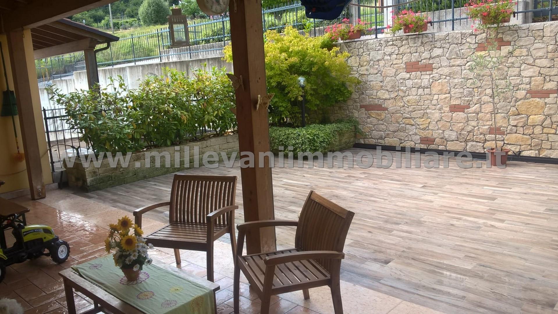 Appartamento in vendita a Roncà, 6 locali, prezzo € 170.000 | CambioCasa.it