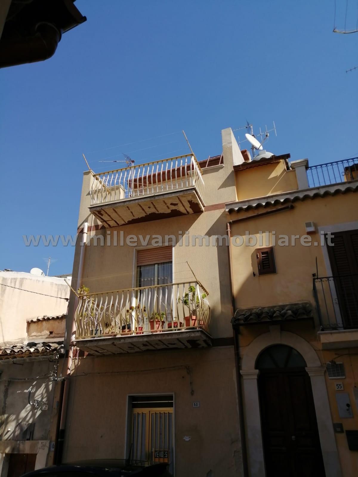 vendita casa indipendente scicli   65000 euro  4 locali  75 mq