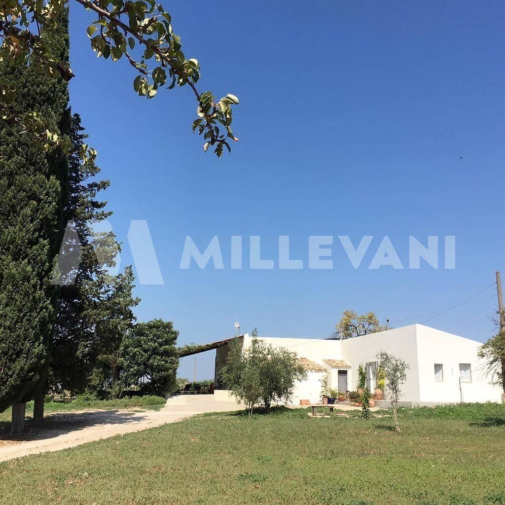 Villa in Vendita a Chiaramonte Gulfi