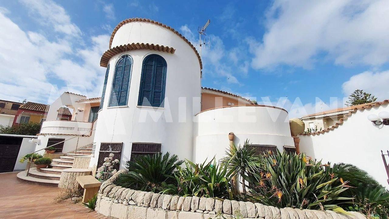 Villa in vendita a Santa Croce Camerina, 7 locali, zona Località: Caucana, prezzo € 630.000   CambioCasa.it