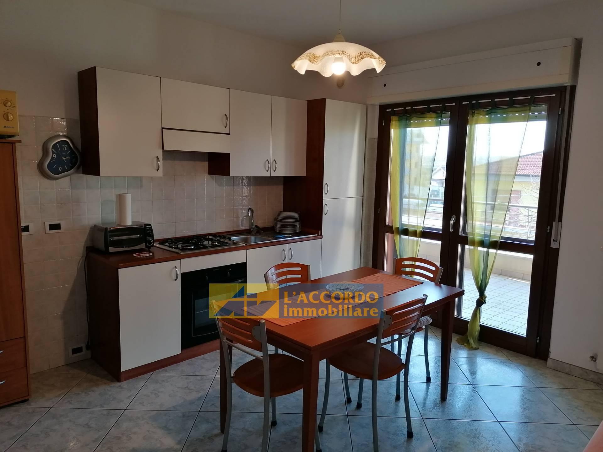 Appartamento in affitto a Chieti, 5 locali, zona Località: MadonnadellePiane, prezzo € 500   CambioCasa.it