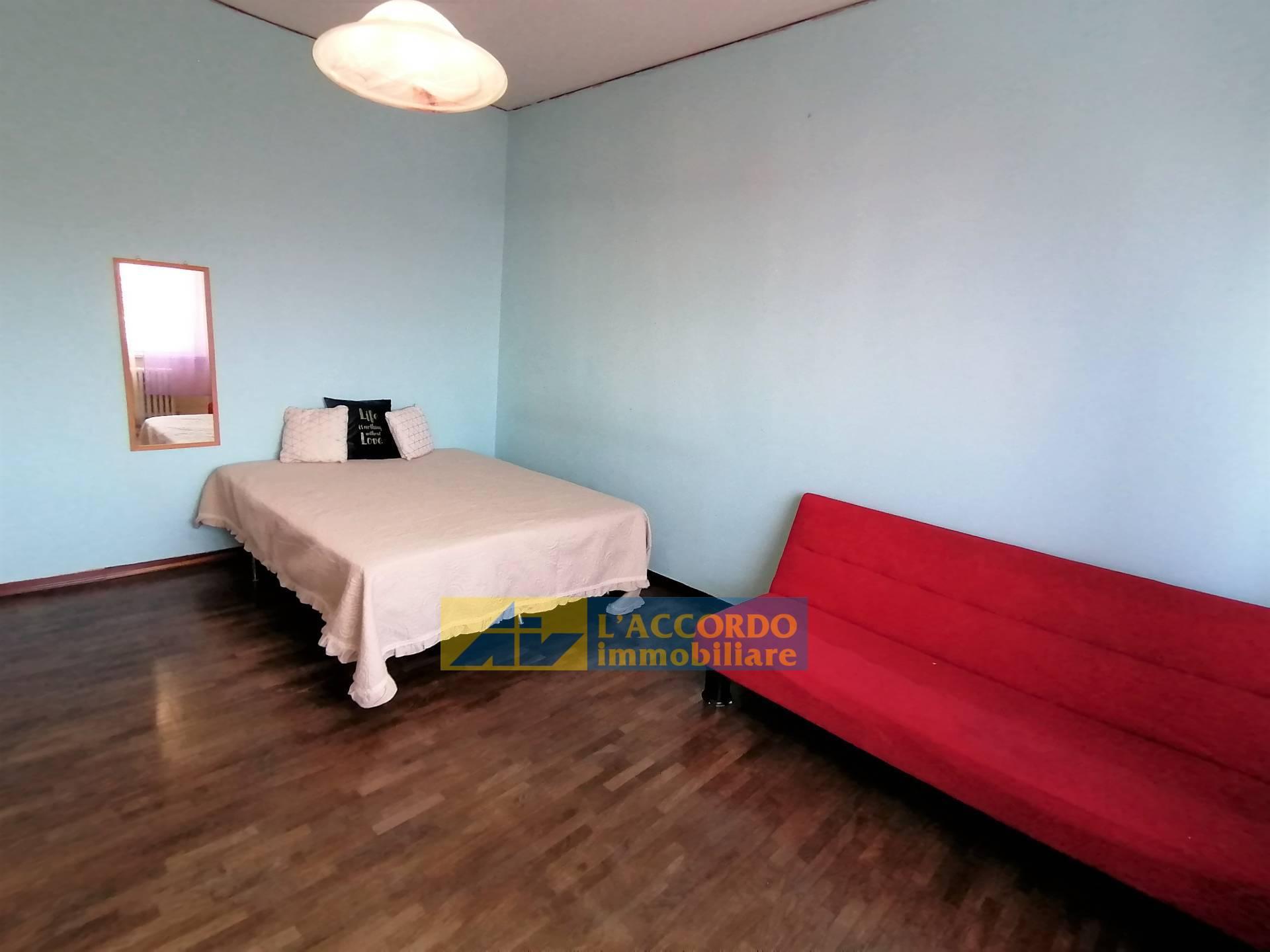 Appartamento in affitto a Chieti, 5 locali, zona Zona: Stadio , prezzo € 180   CambioCasa.it
