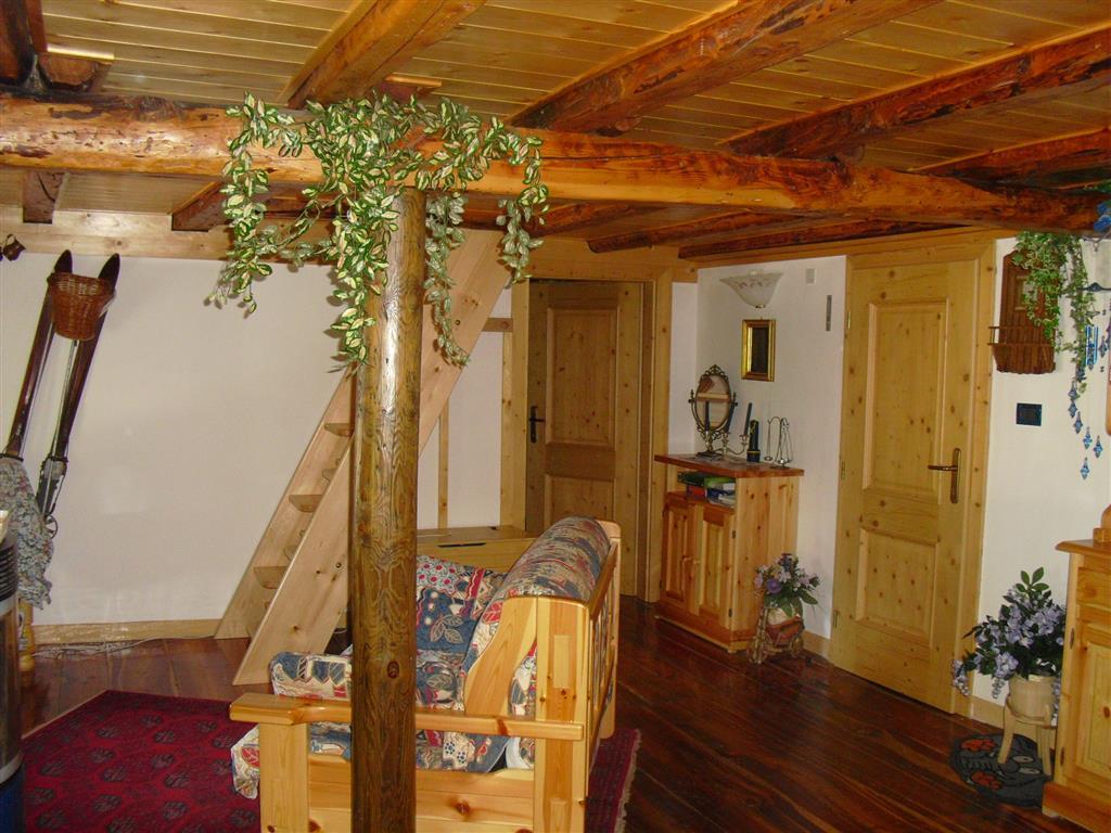 Appartamento in vendita a Vallada Agordina, 5 locali, prezzo € 105.000 | Cambio Casa.it