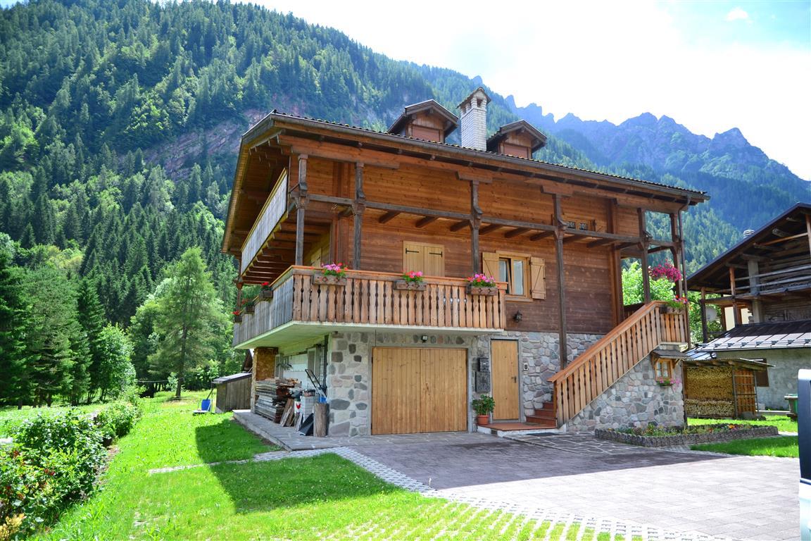 Villa in vendita a Canale d'Agordo, 10 locali, prezzo € 488.000 | Cambio Casa.it