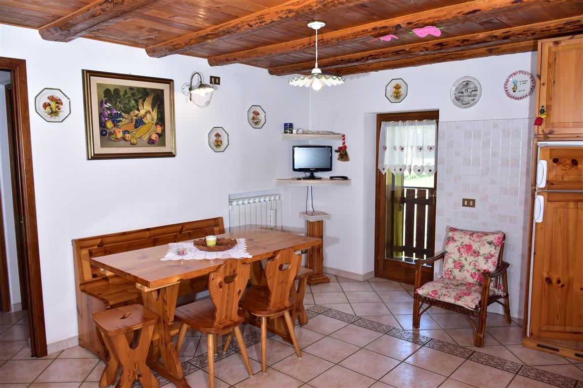 Appartamento in vendita a Vallada Agordina, 5 locali, zona Zona: Mas, prezzo € 85.000 | CambioCasa.it