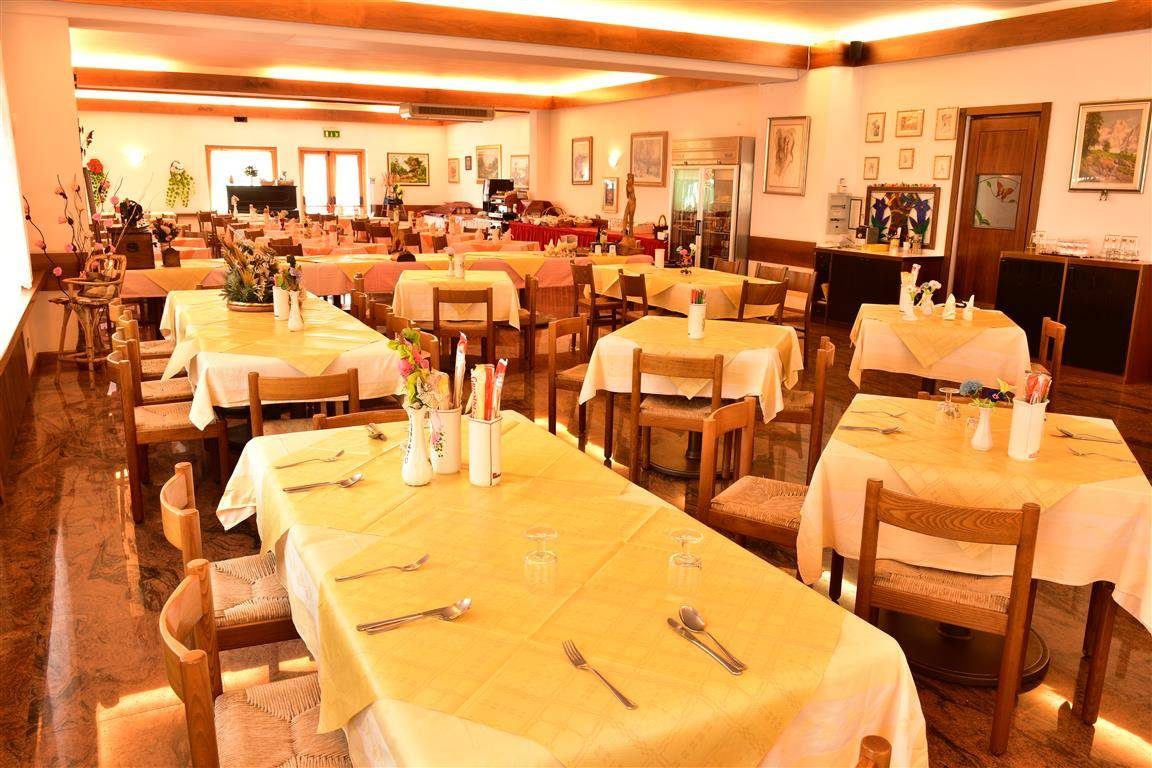 Negozio / Locale in vendita a Canale d'Agordo, 9999 locali, Trattative riservate | CambioCasa.it