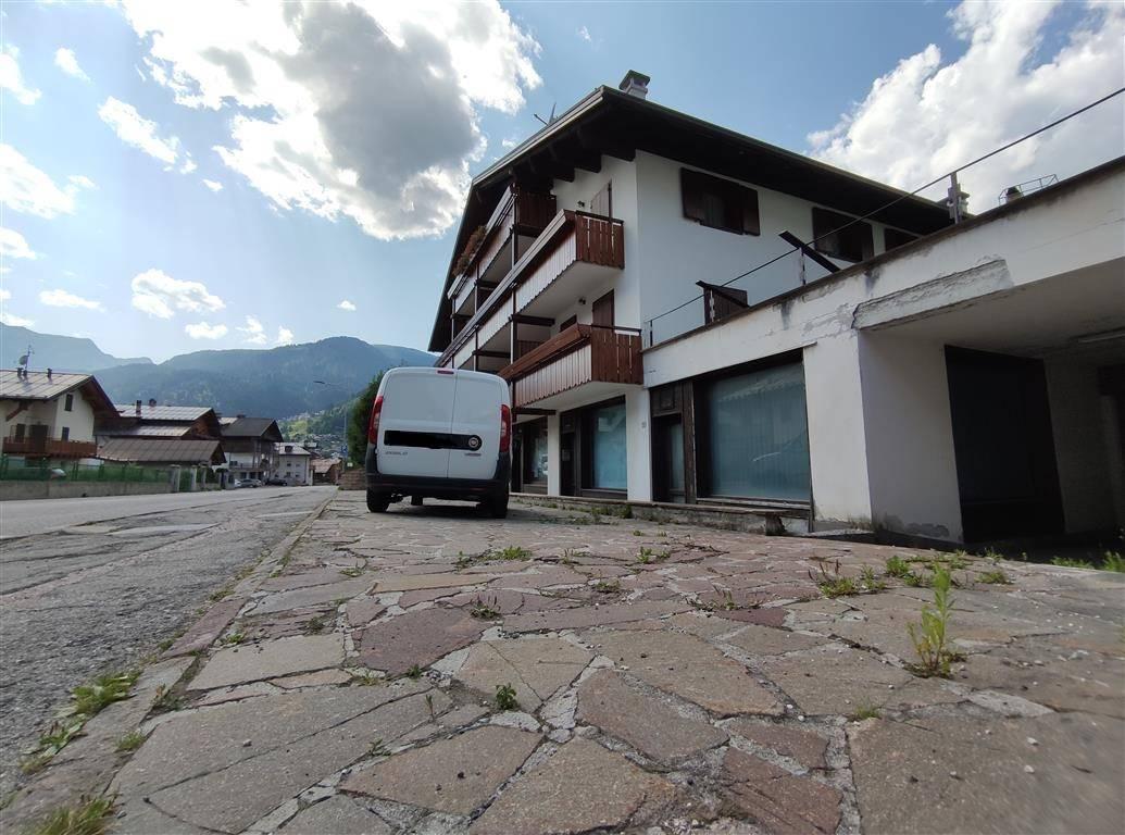 Negozio / Locale in vendita a Falcade, 9999 locali, prezzo € 50.000 | CambioCasa.it